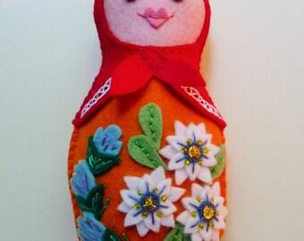 Felt Matryoshka Doll Ornament / Felt Russian Nesting Doll / Felt Babushka / Plush Doll / Felt Doll / Waldorf Toy / Felt Flowers / Matrioska