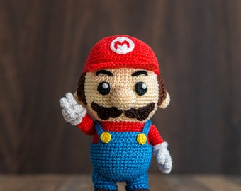 "Crochet Pattern of Mario from ""Super Mario Bros."" (Amigurumi tutorial PDF file)"