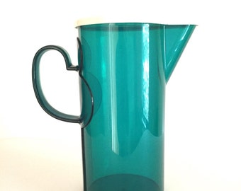 Emerald Green Dansk 2 Quart Plastic Pitcher with Lid
