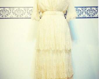 Sale! Antique Nanduti Spider Lace Hand Crocheted Wedding Gown, Size 2 / 4 / 6, Vintage 1900 - 1910 Ivory Lace Antique Downton Abbey Wedding