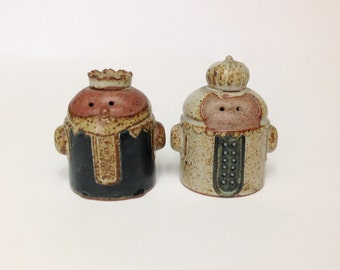 Vintage King and Queen Salt and Pepper Shakers Mid Century Modern Stoneware Made in Japan