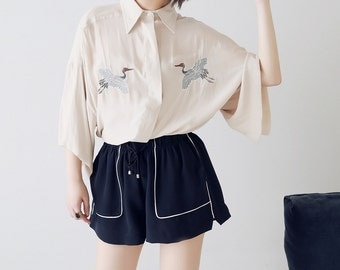 Fine Art Collection creamy ivory/dark blue crane embroidery shirt