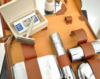 Men's vintage Deco travel grooming and shaving kit - 11 pieces in leather case