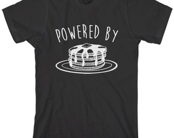 Powered By Pancakes Men's T-shirt Breakfast Syrup Food Flapjacks Hotcakes Griddlecakes Buttermilk Silver Dollar Stack Johnnycakes - TA_00242