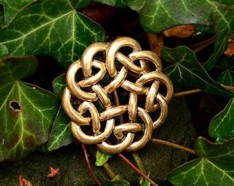 Brooch with intertwining Celtic knot - [07 Br 1 Kelt-Kn/N1 B-3]