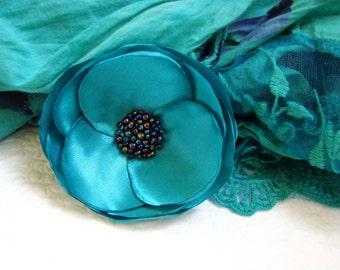 Turquoise bridal flower, Turquoise hair clip, Blue hair flower, Blue hair flower, Floral hair pin, Blue flower brooch, Bridesmaids flower