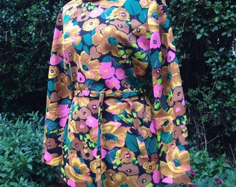 Vintage 1960s/1970s blouse, top, tunic.