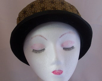 1970's Retro Quality Wool Hat with Fabulous Print