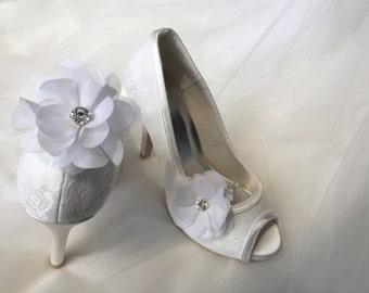 Rhinestone Shoes Clip-Flower Shoes Clip-White Shoes Clip-Bridal Shoes Clip-Wedding Shoes Clip-Shoes Clip-White Flower Rhinestone Shoes Clip