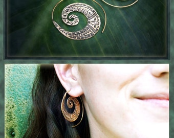 Little carved Spiral Earrings, made of brass..