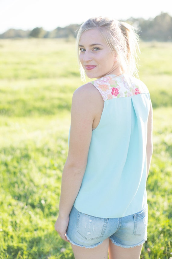 Sleeveless tank top for woman. Crepe turquoise blue (aqua green) and cotton printed with japanses flowers Sakura. Top for summer. Boho chic