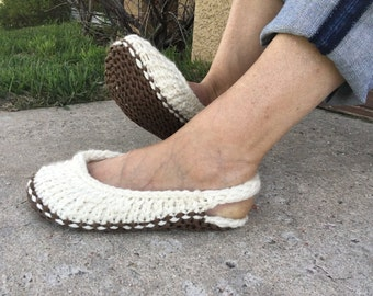 Slingback Slippers -- a loom knit pattern