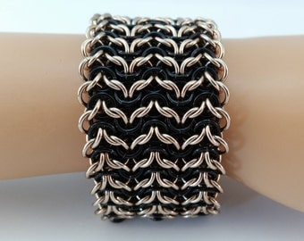 Elf Weave Chainmaille Bracelet in Black and Champaign, Chainmaille Bracelet, Chainmail Bracelet, Chain Maille Bracelet