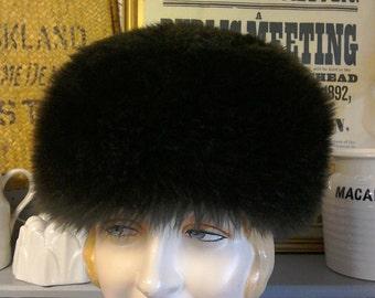 """Vintage Hat Vintage Sheepskin Hat Thick Brown Fur Hat Shetland Skin Hat Size M 23.5"""" 59cm Unlined 1970s Hat Unisex Winter Hat"""