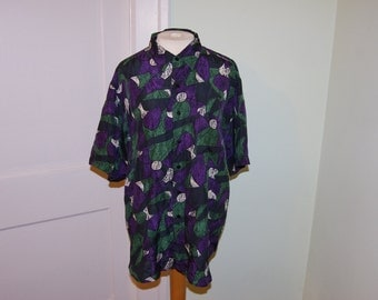 Creative edge 100% silk button up t shirt sz-Large