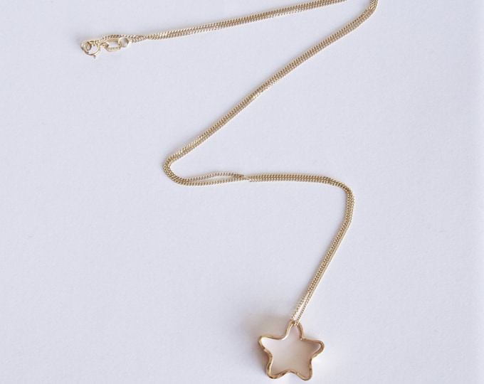 Gold Star Necklace -  Star Pendant - Hammer Texture - 9 Carat Yellow Gold - minimal jewellery