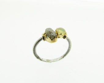 White gold and pink ring, 18 Kt, with Rough diamond ct. 0.90 and 5.00 mm opal. Measure 14 (Europe) and US 6-7.