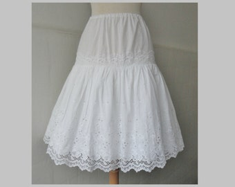 Mid Century Broderie Anglaise Vintage Petticoat/Skirt // White // Size 40 // Made In Austria