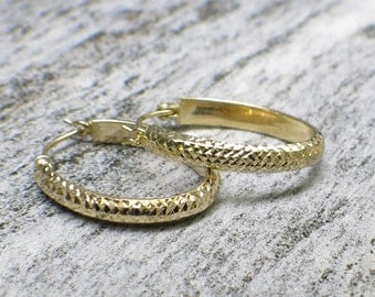 14K Gold Oval Hammer Textured Hoop Earrings