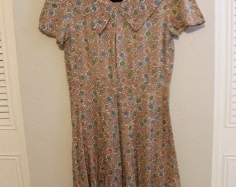 1940's Dress Rayon Print Day Dress Size Small