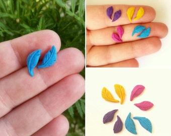 Color plume stud earrings. Clay jewels. Good lock earrings.