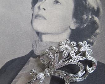 Enchanting vintage marcasite/ pyrite brooch~Pretty floral design~Beautiful gift~Vintage wedding