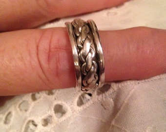 Vintage Wedding Bands / Sterling Silver Rings / Spinner Rings / Size 9 Rings (Item#ER194)