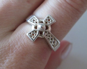 Celtic Cross Sterling silver vintage band Ring, size 7