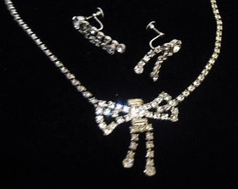 Reduced ! Cute Vintage Rhinestone Bow Necklace & Earring Set