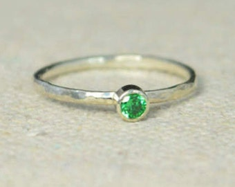 Classic Sterling Silver Emerald Ring, 3mm Silver Solitaire, Solitaire, Silver Jewelry, May Birthstone, Mothers Ring, Silver Band