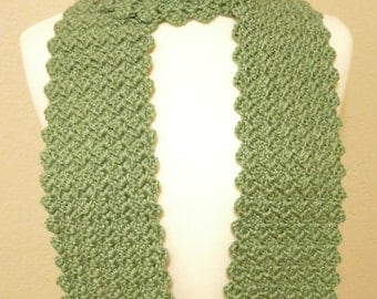 Green Crochet Textured Scarf with Scalloped Edge