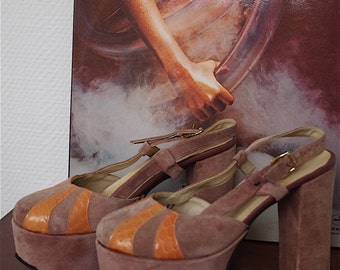 Sensational seventies platform pumps