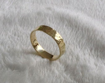 18K Gold Band, Hammered Finish, Wedding Ring, 18K Polished Ring, 4 mm Band, Hand Forged Gold, Gift Gold Ring, Marriage Rings, Gold Gift Ring