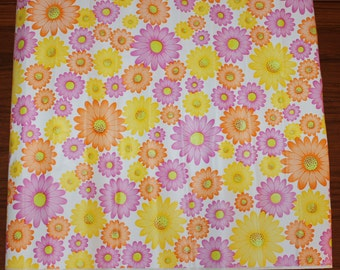 Decorative vintage Vinyl plastic self-adhesive decoration with retro floral pattern. Made by Annebergs product, Sweden Scandinavian