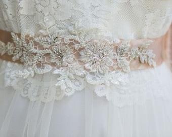 Bridal sash for wedding dress, Wedding sash belt, Lace Wedding Sash, Lace Wedding dress belt, Flower Bridal Belt, Boho wedding dress belt