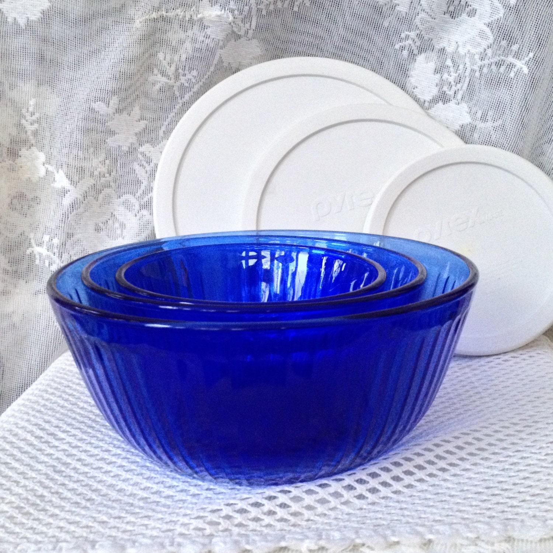 pyrex cobalt blue glass mixing bowls ribbed design set of. Black Bedroom Furniture Sets. Home Design Ideas