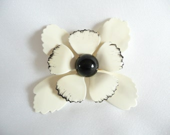 Vintage Ivory Cream Enamel Painted Metal Brooch Pin