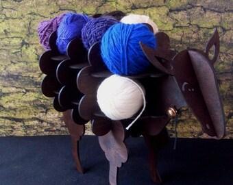Sheep wool stander. Sheep shelf for spinners.