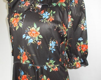 Vintage maxi dress  70s floral pattern medium hippie boho festival dress size small