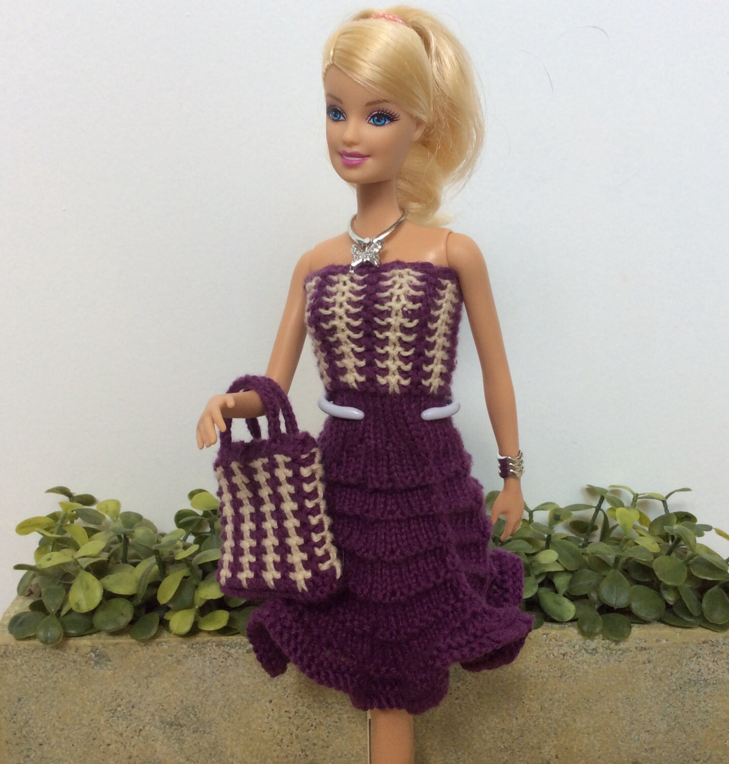 Barbie clothes pattern for knitted dress and matching handbag this is a digital file bankloansurffo Image collections