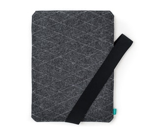 Wacom tablet sleeve, graphic tablet case, wacom intuos pro cover, Wacom grey case, grey Wacom case, quilted felt case, Gopher
