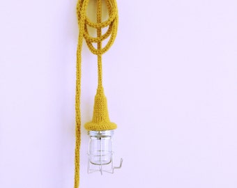 ZACHTLICHT is a dutch series handmade crocheted lamps made of beautifull merino lambswool