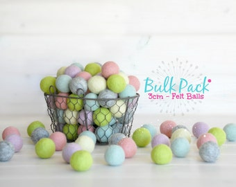 25 Medium Felt Balls - 25x 3CM Wool Felt Balls - 100% Wool Felt Balls - (3cm/30mm) - Wool Felt Balls - 3CM Felt Balls in Bulk - 3CM Poms
