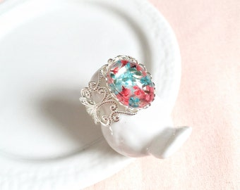 Real Flower Ring Silver, Pressed Pink and Blue Petal, Dried Flower, Filigree Victorian Band, Preserved Nature, Botanical Bridesmaid Gift