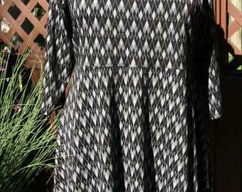 Plus size tunic. Available in woman's  2X, 3X, 4X, 5X