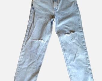Calvin Klein Jeans Distressed High Waist Boyfriend jean vintage 80s eighties nineties 90s grunge hippie punk boho women blue jeans