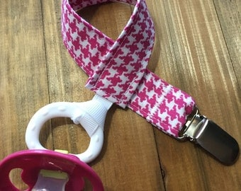 Pacifier Clip; Pink Houndstooth; Pacifier Holder; Paci Clip; Paci Holder; Binky Clip; Binky Holder; Baby Shower Gift