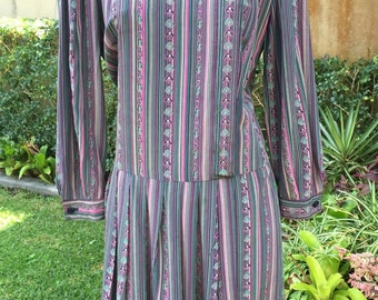 Vintage Italian tailored 70s 100% silk dropped waist dress Size 10-12