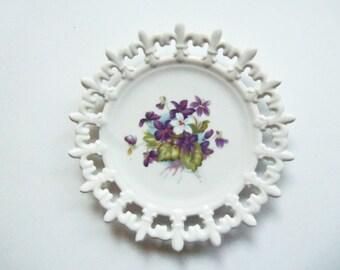 VIOLETS - Decorative Violet Plate - Vintage NAPCO
