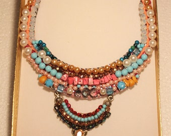 Beaded pearls spring crystal necklace